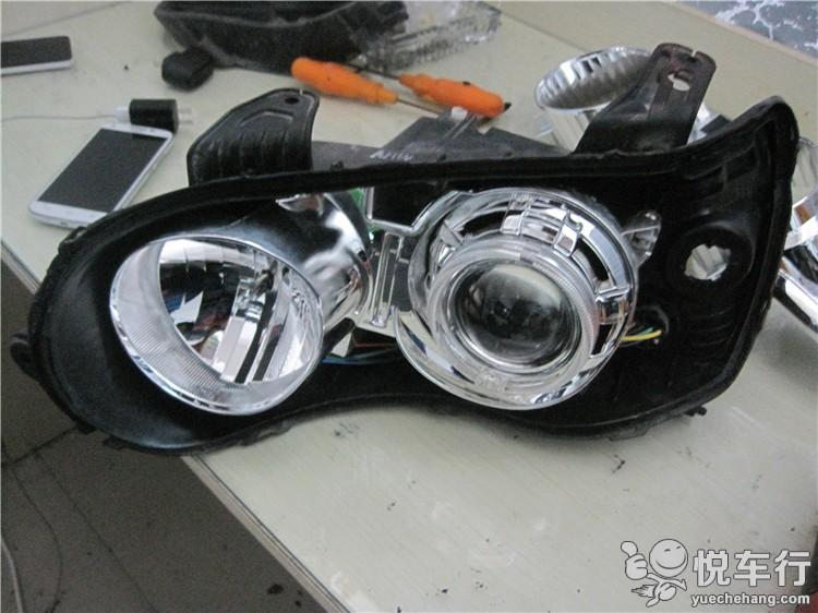 这是我们已经改好透镜的一只大灯