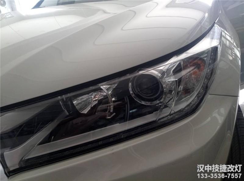 汉中汉兰达改灯,18款丰田汉兰达改装海拉OE透镜升级CBI氙气灯